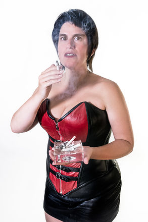Lady Sara im Korsett - rauchend