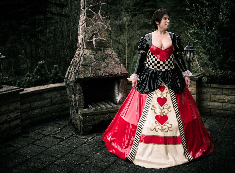 Latex-Reifrock-Kleid Herzkoenigin